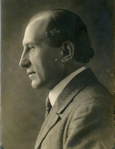Lázár István János portréja (fotó Petőfi Irodalmi Múzeum tulajdona)