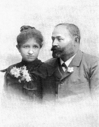 Anna férjével